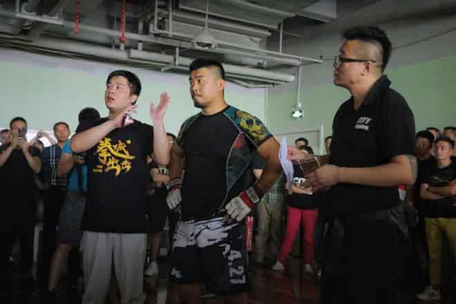 Sư huynh võ sư Flores muốn giao đấu Từ Hiểu Đông
