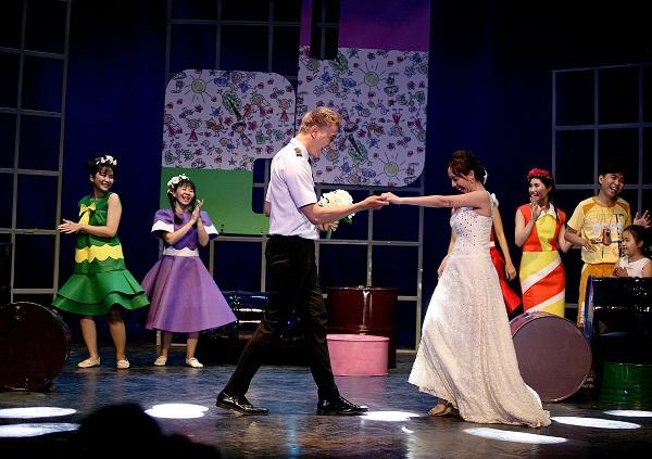 Sân khấu Thế giới trẻ rộn ràng mùa kịch tết