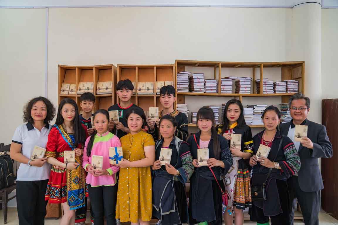 Sách quý đến với bản làng vùng cao Sa Pa