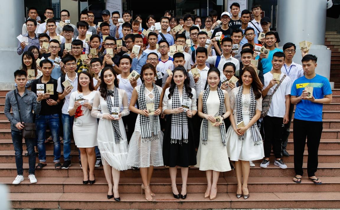 Hàng chục ngàn sách quý đến với thanh niên Thủ đô