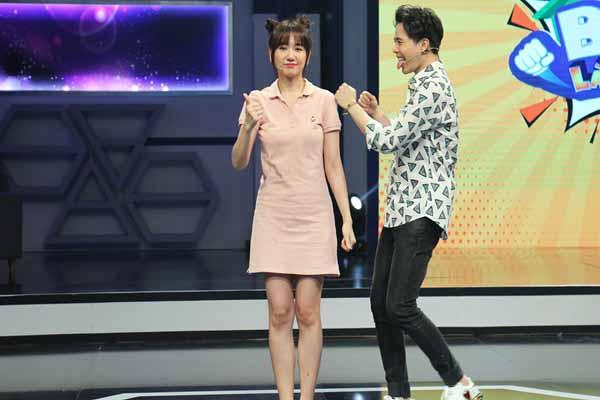 Hari Won ngượng tái mặt khi bạn thân Trấn Thành bắt bẻ ngữ pháp tiếng Việt