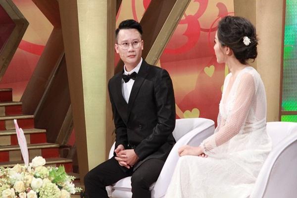 Hoàng Bách quyết 'giữ gìn' cho vợ đến khi chắc chắn yêu