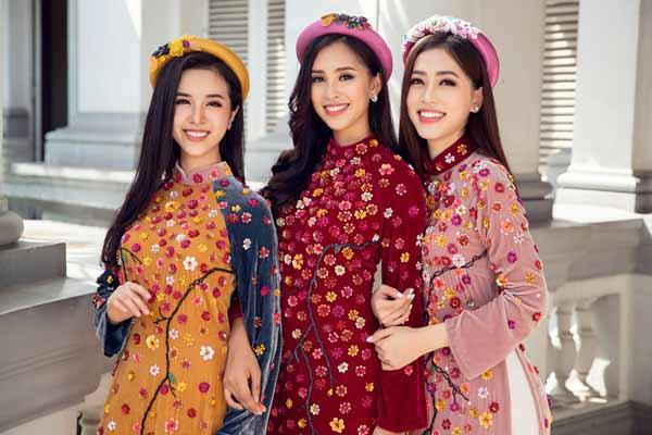 Tiểu Vy, Phương Nga, Thúy An diện áo dài tươi trẻ đón Tết