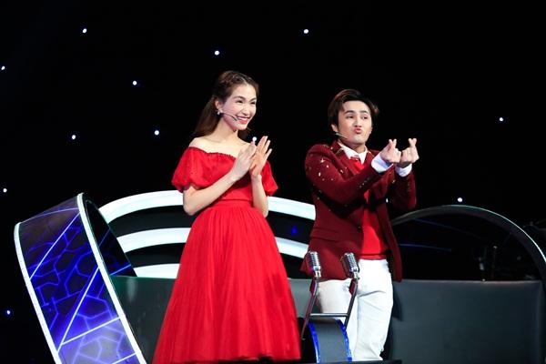 Ngày đầu năm, Huỳnh Lập gây bất ngờ khi trổ tài ca hát trên sóng truyền hình