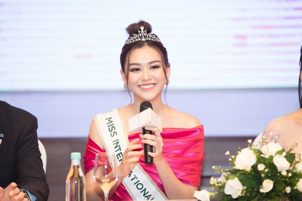 Cô gái sinh năm 2000 đại diện Việt Nam thi 'Hoa hậu Quốc tế 2019'