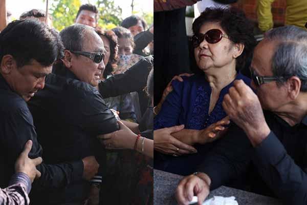 Bố mẹ Anh Vũ nghẹn ngào, ngã qụy khoảnh khắc tiễn biệt con trai