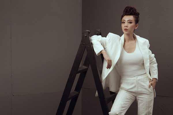 Thu Trang lọt top nghệ sĩ có kênh Youtube mạnh nhất Việt Nam