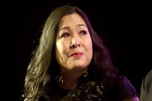 Nghệ sĩ Hồng Vân phải dời sân khấu kịch 12 năm tuổi