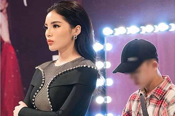 Ồn ào chuyện Hoa hậu Kỳ Duyên đuổi trợ lý, còn nêu thẳng tên lên facebook
