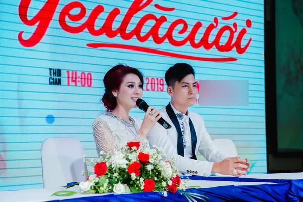 Lâm Khánh Chi tiết lộ mang nhẫn cưới giả suốt 2 năm, giá trị bèo bọt