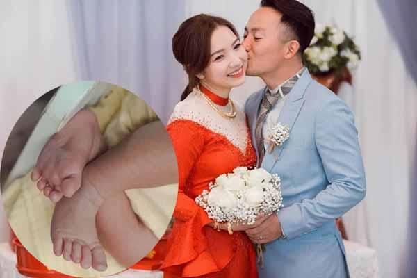 Vợ Tiến Đạt vừa sinh con đầu lòng nặng 3,3 kg