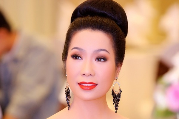 Cạnh Hồng Vân, Trịnh Kim Chi gồng mình tháng hàng trăm triệu vì lỗ sân khấu kịch
