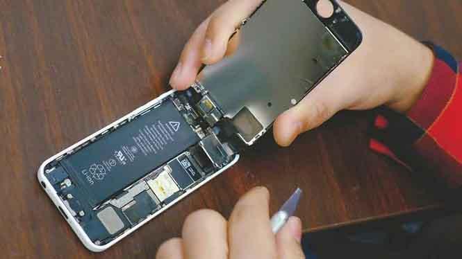 Chương trình giảm giá pin thay thế cho iPhone giúp Apple kiếm bộn tiền?