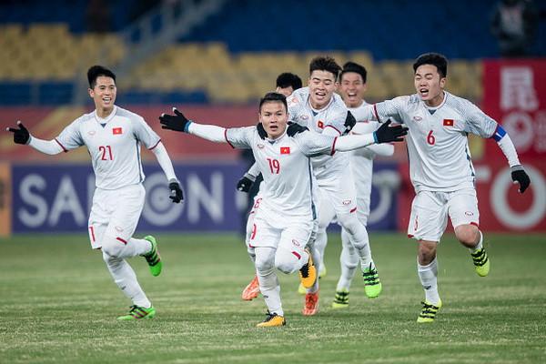 Phản ứng siêu cấp đáng yêu của dàn sao Việt khi U23 chiến thắng