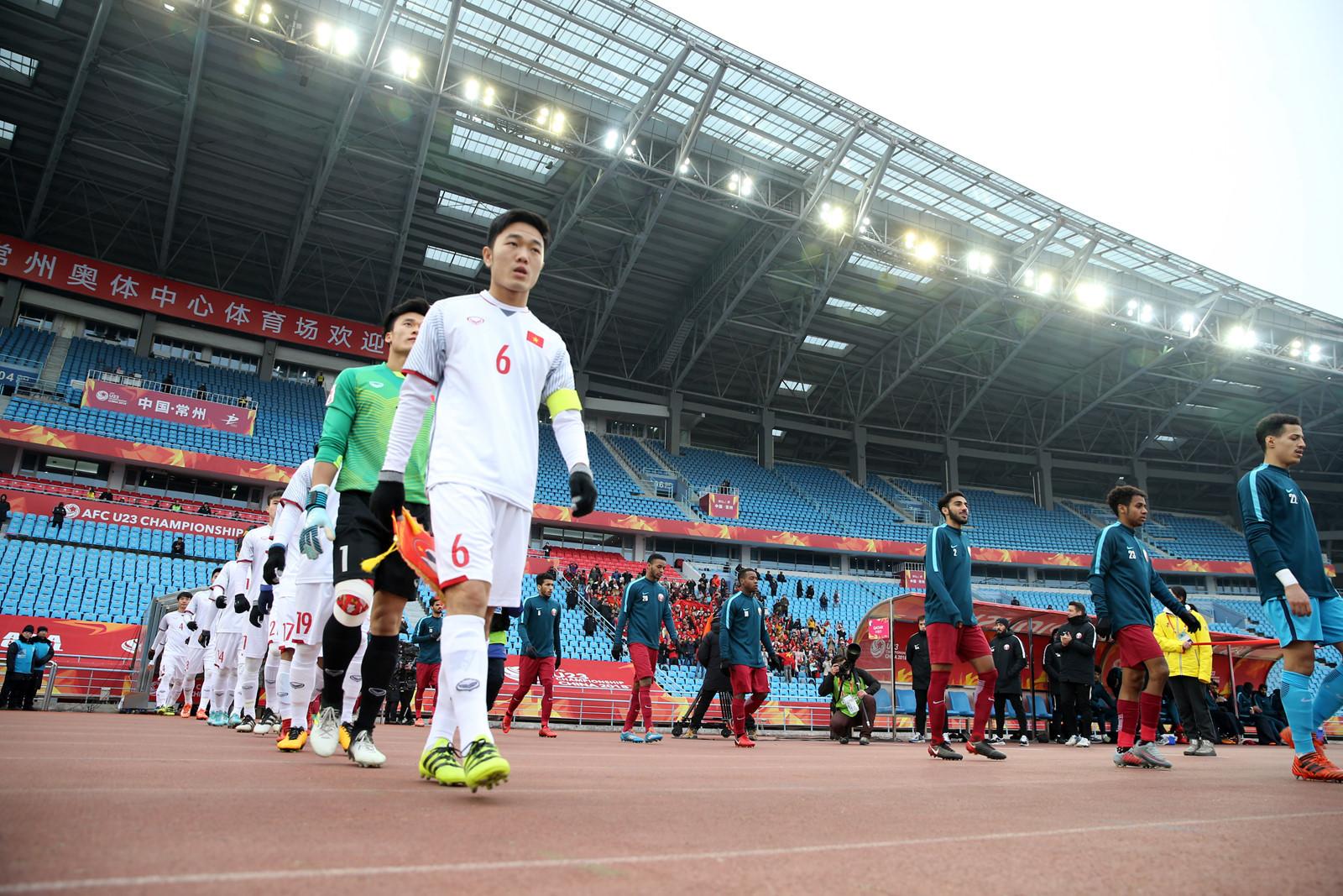 """U23 Việt Nam đang là """"liều doping"""" cho V-League?"""