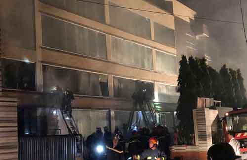 Xưởng bánh kẹo 2000m2 bốc cháy ở Sài Gòn