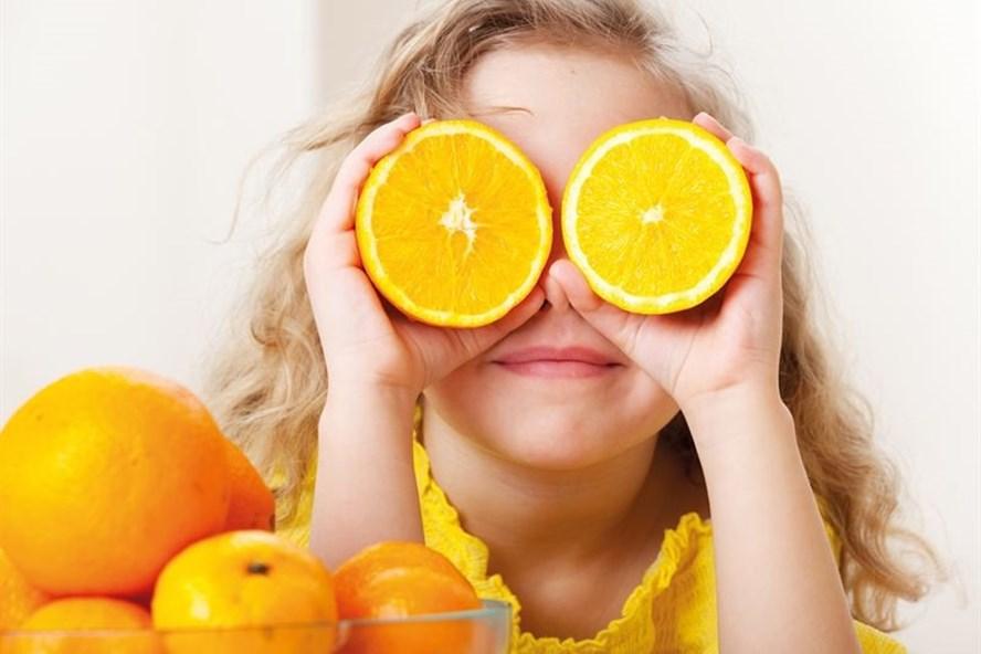 Ăn cam mỗi ngày giúp tăng cường thị lực