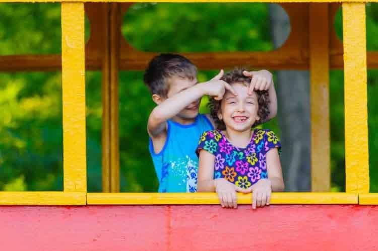 Cách hay giúp các con trong nhà yêu thương nhau