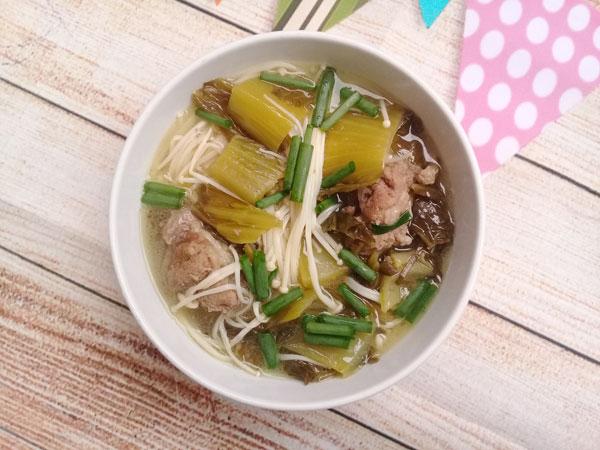 Chua ngọt ngon cơm canh xương nấu dưa nấm