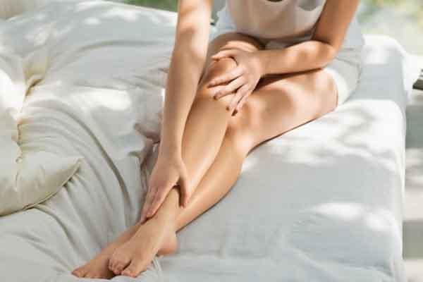 Thon gọn bắp chân với 5 bài tập nhanh chóng trước giờ ngủ