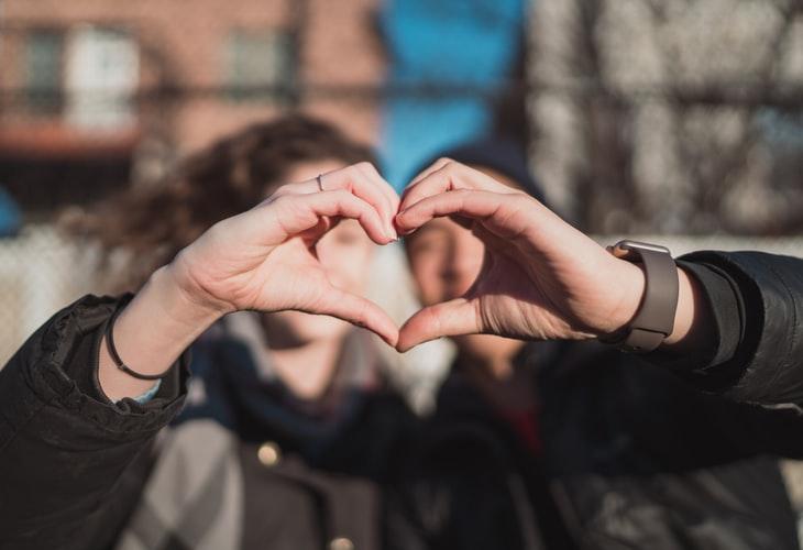 Kết nối để hạnh phúc - Bí quyết xây dựng mối quan hệ lành mạnh