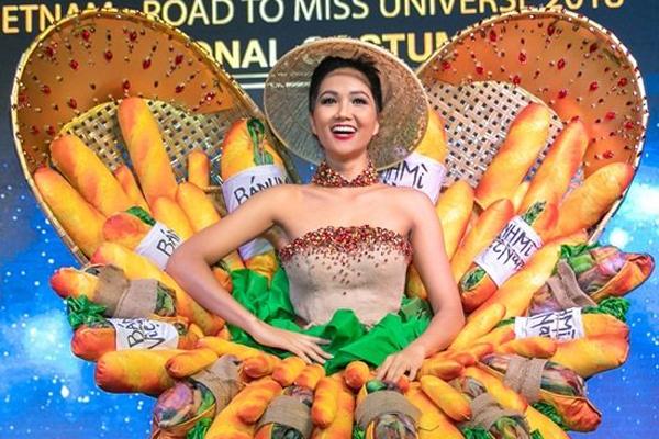 """H'Hen Niê chọn """"bánh mì"""" trong trang phục dân tộc Miss Universe"""