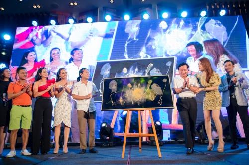 Đêm từ thiện của Chi Bảo giúp trẻ bệnh tim