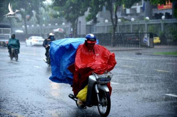 Ảnh hưởng từ bão số 2, mưa lớn khắp cả nước