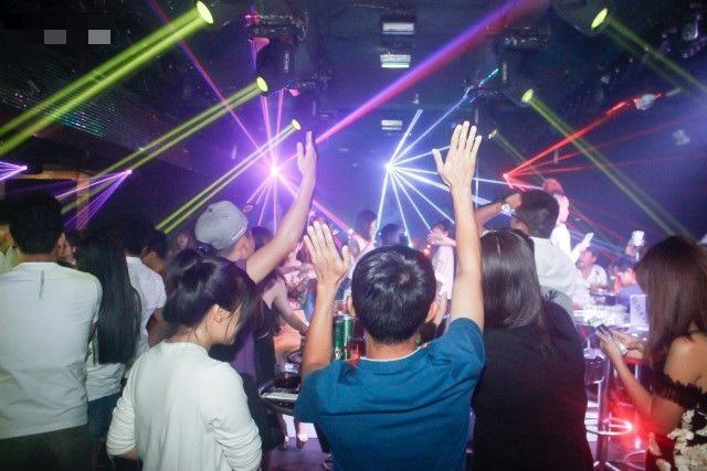 Hà Nội: Dừng các hoạt động tại bar, vũ trường