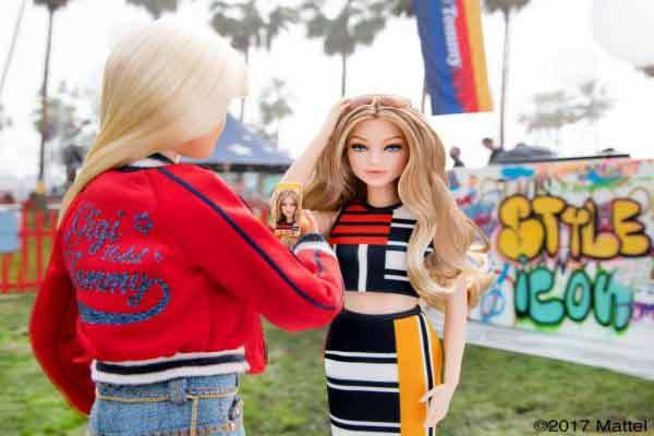 Búp bê Barbie huyền thoại mang thương hiệu Tommy Hilfiger