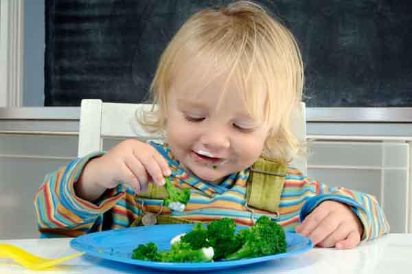 Mẹo giúp trẻ chăm ăn rau