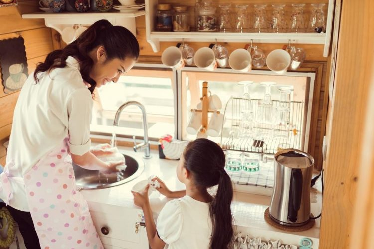 Đảm bảo nhà bếp an toàn ra sao khi bạn có con nhỏ?