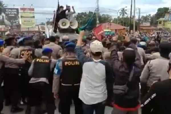 Sinh viên Indonesia biểu tình phản đối người lao động nhập cư Trung Quốc