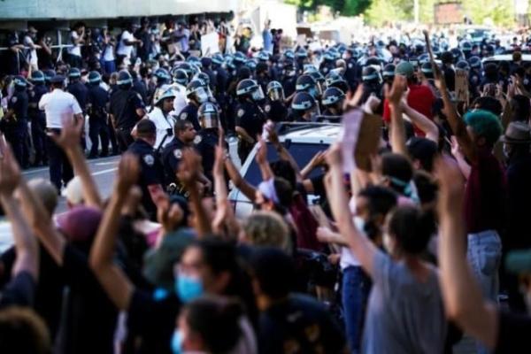 Mỹ: Làn sóng biểu tình lan rộng, nguy cơ thổi bùng đợt dịch COVID-19 mới