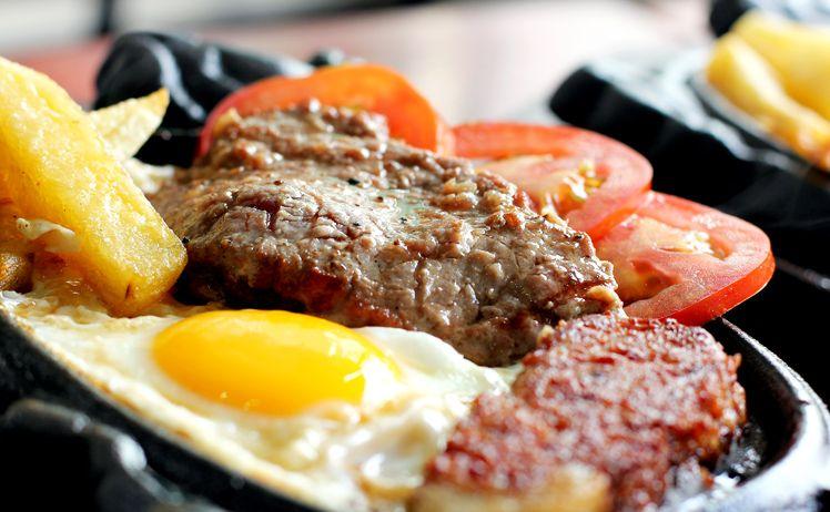 Cách làm bò bít tết ngon như nhà hàng cho gia đình thưởng thức