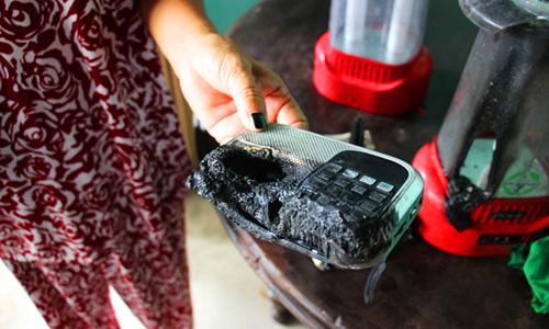 Chuyện lạ ở Long An: Nhiều đồ đạc trong nhà tự nhiên bốc cháy