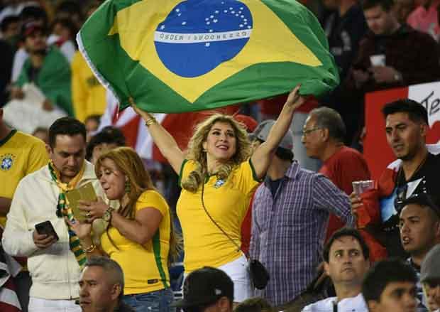 Brazil đại thắng triệu fan mở hội ăn mừng