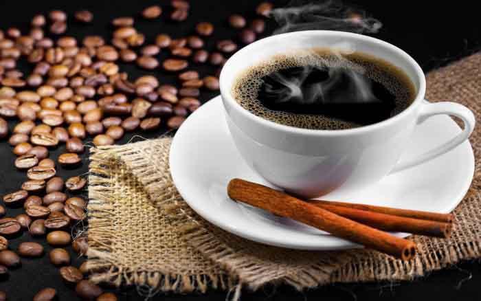 Uống cà phê nhiều có khiến cơ thể bị mất nước?