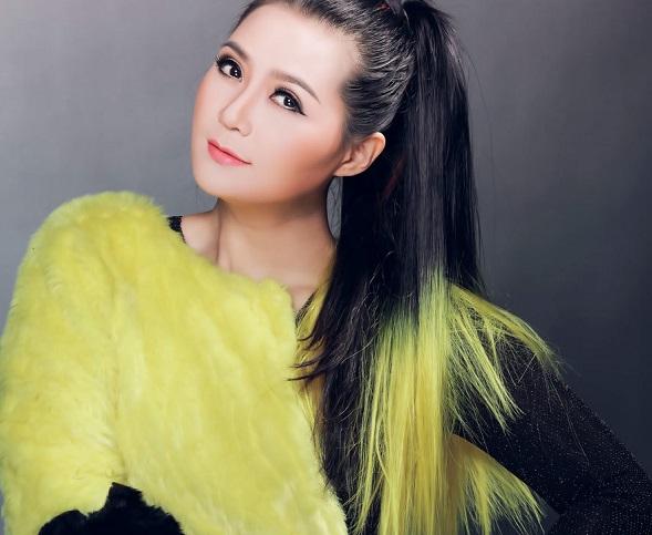Ca sĩ Triệu Trang ra mắt cùng lúc 9 album kỷ niệm 19 năm ca hát