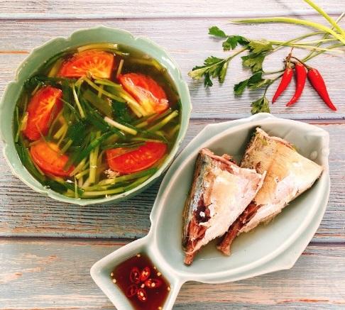 Trời se lạnh tự nấu món canh cá ngân rau ngót siêu ngon