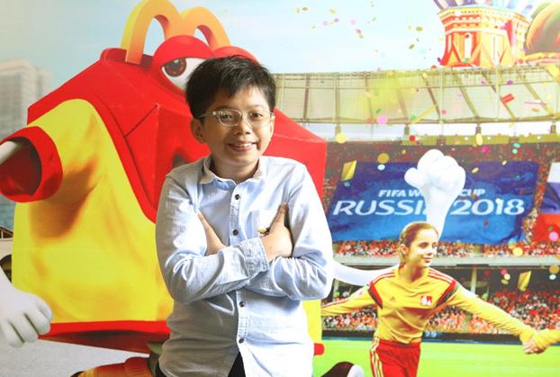 Cậu bé Việt Nam đầu tiên được 'ra sân' trong trận chung kết World Cup