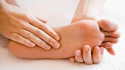 Bí quyết chăm sóc để có bàn chân mịn màng
