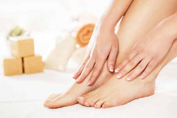 Bí quyết giữ da bàn chân mềm mịn