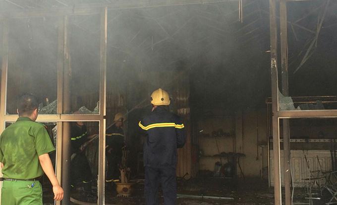 Thanh Hóa: 5 kiot bị thiêu rụi vì cháy chợ