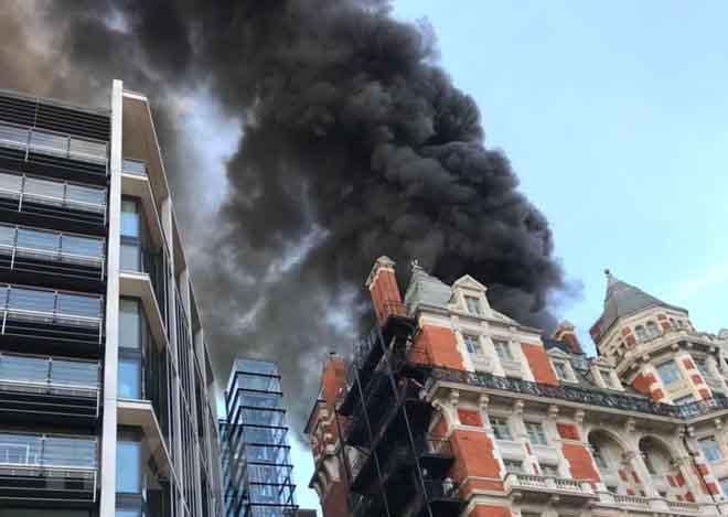 Cháy khách sạn năm sao ở Anh, chưa xác định hết thương vong