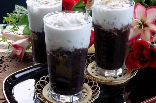 Cốc chè đậu đen cho ngày nóng ở Sài Gòn
