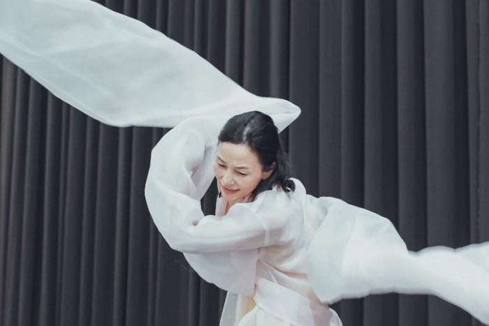 Biên đạo múa Hàn Quốc và tình yêu với phụ nữ Việt