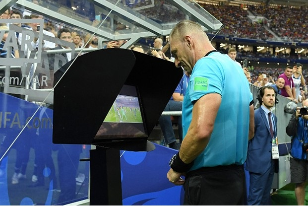 Vì sao công nghệ V.A.R không được đồng loạt triển khai tại các trận đấu của Asian Cup 2019?
