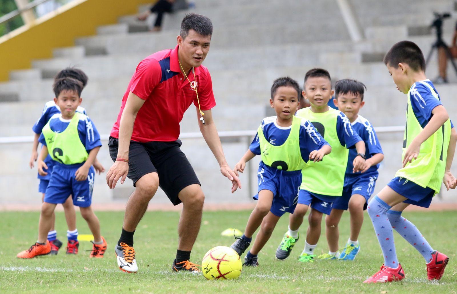 Công Vinh thực hiện dự án bóng đá học đường quy mô lớn