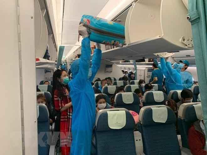 Hơn 270 công dân Việt Nam từ Malaysia đã về nước an toàn